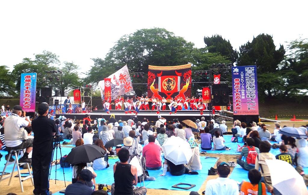 「YOSAKOIソーラン日本海彦根三十五万石祭り」の会場設営